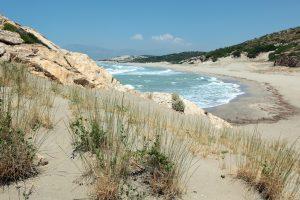 Der Strand von Patara – einer der Gründe, warum Traumurlaub in der Türkei möglich ist und es jährlich viele Touristen an die Mittelmeerküste der Türkei zieht. Foto: fotolia ©Lilyana Vynogradova #59024060