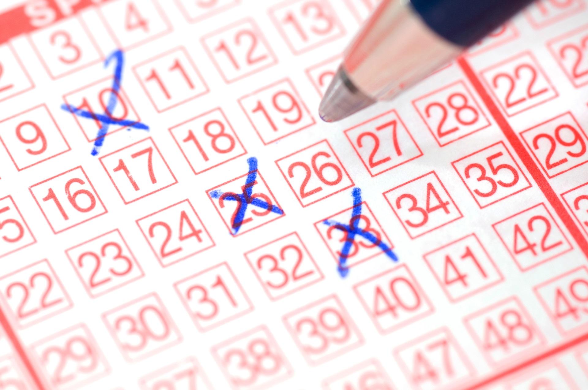 Lotto-Spieler gibt Tipp für Millionen-Jackpot ab.