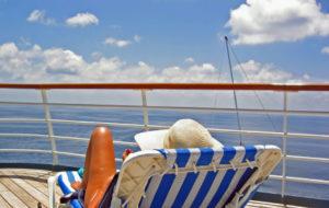 Ausblick vom Deck eines Kreuzfahrtschiffes