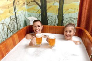 Frauen im Bier Spa