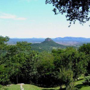 Cerro Mbatovi, Paraguay
