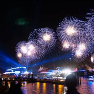 Feuerwerk im Hamburger Hafen, Hamburg, Deutschland