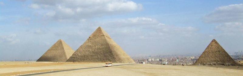 Pyramiden in der Wüste, Ägypten